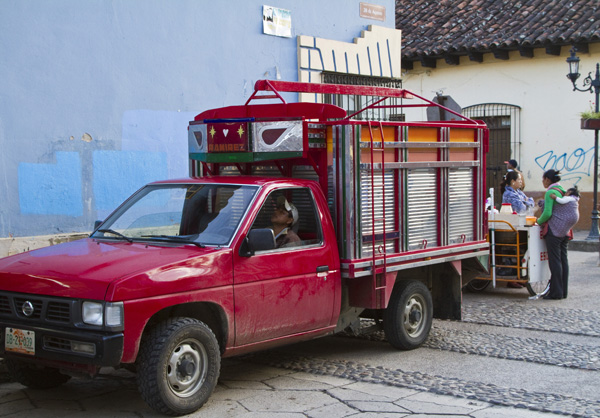 Angelo_Simeoni_il mercatino di san_cristobal de las Casas_the_trip_magazine (1)