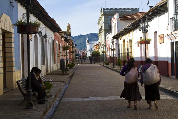Angelo_Simeoni_il mercatino di san_cristobal de las Casas_the_trip_magazine (1)