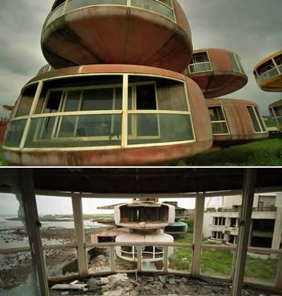 UFO_gost_town_di_San_Zhi_taiwan_il_tuo_inzio_la_tua_fine