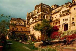 Neemrana_port_palace_india_hotel_the_trip_magazine