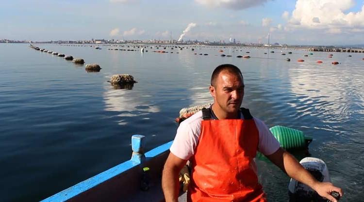 foto di Paolo Pisanelli | l'acciaieria ILVA vista dal Ponte Punta Penne | Buongiorno Taranto