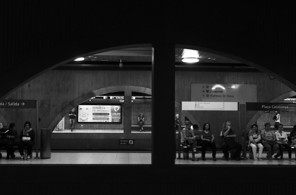 Metropolitana il volto underground di una citt reportage for Una storia ospita vicino a me