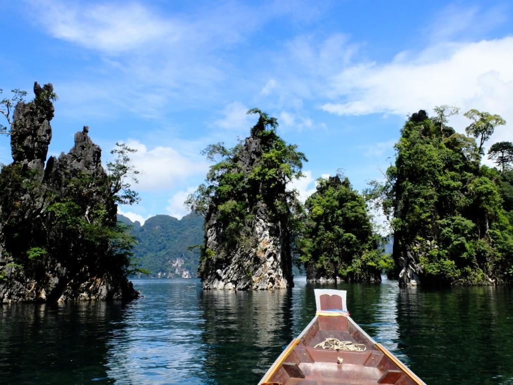 Il grande lago all'interno del Parco Nazionale di Khao Sok