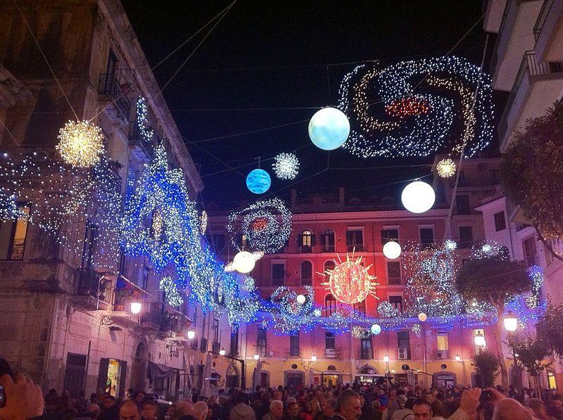 Luci d'artista a Salerno. Foto di Roquejaw (Own work)