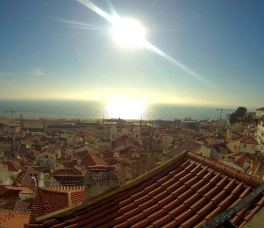 panorama vista tetti Lisbona